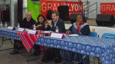 Construction de la démocratie: Renforcer les capacités des acteurs de la société civile