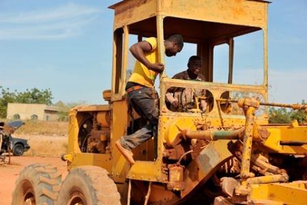 Semaine nationale de la citoyenneté: Warren Boureima Saré remblaie des routes