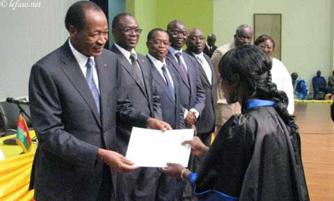 Sortie de promotion des étudiants de l'IN.S.SA: Blaise Compaoré était avec les nouveaux médecins