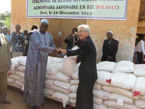 Coopération: Le Japon offre 7600 tonnes de riz au Burkina