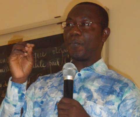 Professeur Augustin Loada: «Si manifester contre la révision de l'article 37, c'est conduire le peuple à l'abattoir, alors l'on doit arrêter le boucher»