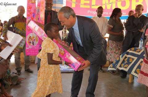 Noël 2013: L'ONATEL apporte le sourire aux pensionnaires de SOS village d'enfants