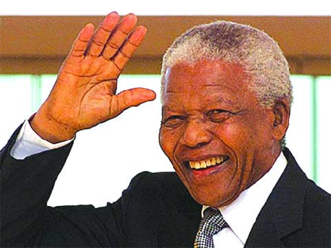 Evénements marquants de 2013: La mort de Mandela et la montée du raciste anti-noir en Europe