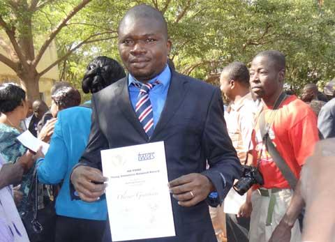Université de Ouagadougou: Dr Olivier Yankiné  lauréat du Prix «Jeune Chercheur Union Africaine/TWAS»