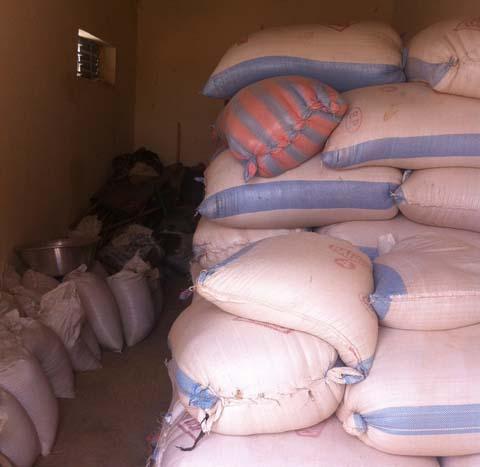 Cinq tonnes de petit mil pour les réfugiés maliens de Sag-nioniogo