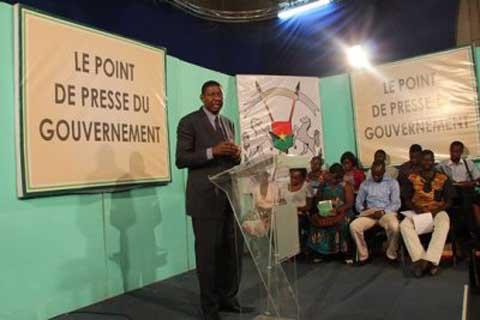 Alain Edouard Traoré, porte-parole du gouvernement: «Aucune discrimination n'est  faite aux partis politiques sur les biens publics»