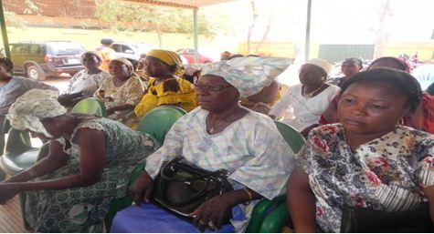 Cancer du col de l'utérus: Les femmes de l'UPC sensibilisent et dépistent