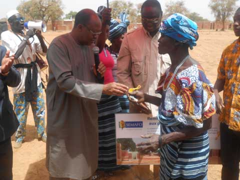 Dangouna: SEMAFO met 665 logements à la disposition des populations