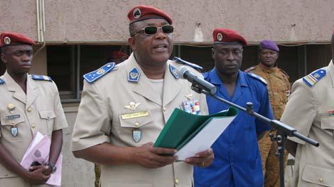 Bataillon Laafi 5: le général Honoré Traoré salue le courage des militaires burkinabè