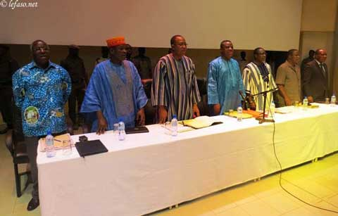 Explications des mesures sociales du gouvernement :Une rencontre  aux allures de meeting politique