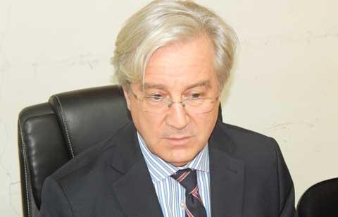 «L'Union européenne suit attentivement la situation politique au Burkina Faso», dixit Alain Holleville