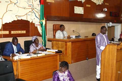 Administration publique: Y a-t-il des fonctionnaires ''ad vitam aeternam'' au Faso?