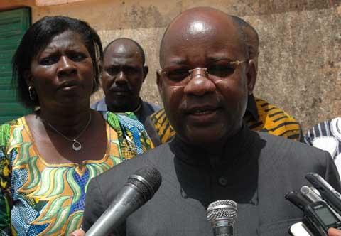 Affrontements à Mané: Le ministre Jérôme Bougoumaaux côtés des familles