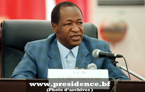 Blaise COMPAORE à la rencontre des maires du Burkina et des populations du Centre-Ouest.