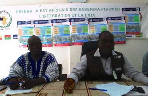 Enrôlement biométrique à Bobo: La contribution du Réseau ouest-africain des enseignants pour l'intégration et la paix