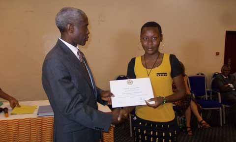 Programme «Access Microscholarship»2011-2013: 111 élèves reçoivent leur attestation