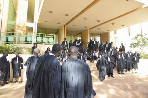 Greffiers du Burkina: Une grève de 72 heures à compter du 21 mai 2014
