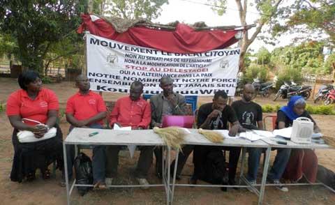Disfonctionnement dans le CHUSS de Bobo: Le Balai Citoyen et le Mouvement tout en rouge en sit-in