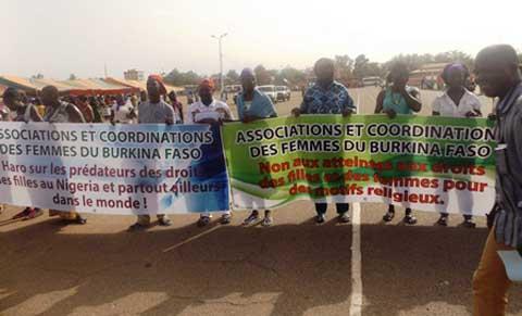 Enlèvements de lycéennes au Nigeria: Les femmes du Burkina marchent pour exprimer leur  solidarité