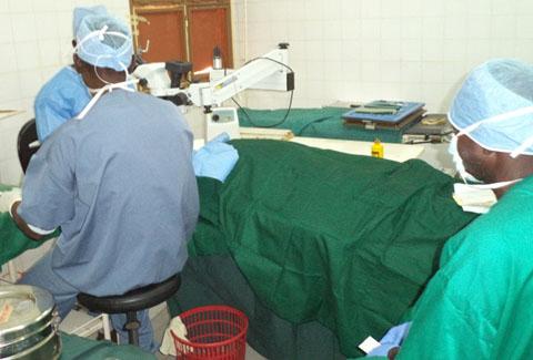 Cascades: Un camp ophtalmologique au profit des patients