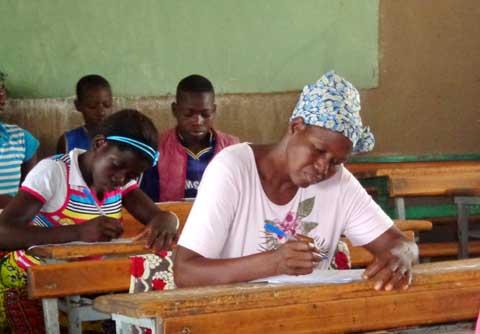 CEP 2014 au Sanguié: Suzanne Kanzié, candidate à 52 ans