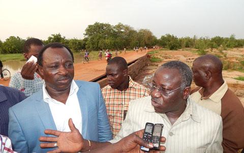 Ponts en difficulté dans l'arrondissement 8  de Ouaga: Le maire Marin Ilboudo est allé au constat