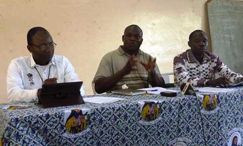 Don d'un cardinal au Burkina: des artistes religieux veulent rendre grâce au Seigneur