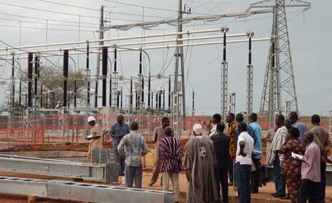 Contrôle de l'action gouvernementale: des députés visitent les centrales de Komsilga et de Pâ