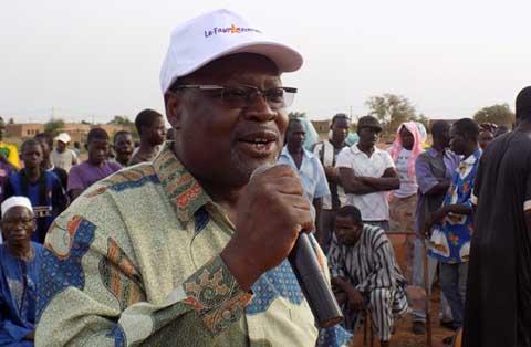 Meeting de Le Faso Autrement: Visiter les 45 provinces avant 2015