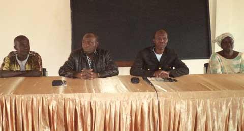 Concours directs de la fonction publique: Les candidats de la Comoé  se préparent avec le soutien du député Salifou Barro
