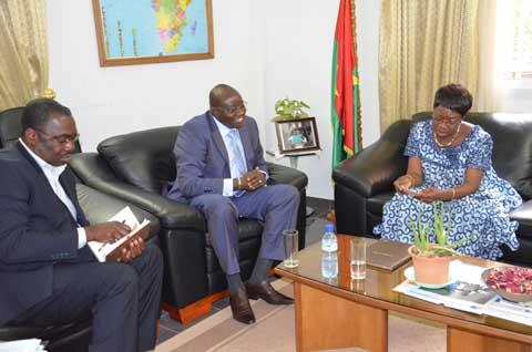 La Présidente du CSC reçoit le nouveau DG de la SONABHY