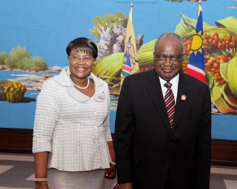Burkina Faso-Namibie: Salamata SAWADOGO présente ses lettres de créance au Président Hifikepunye POHAMBA de la République de Namibie