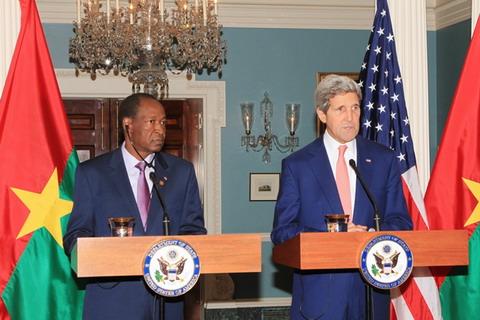 John Kerry salue la contribution de Blaise Compaoré dans la recherche de la paix en Afrique de l'Ouest
