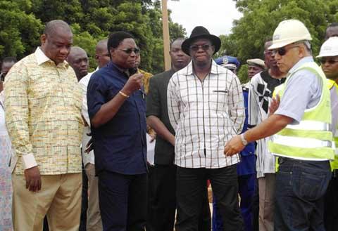 Route  Sabou-Koudougou-Didyr: le premier ministre satisfait malgré le retard