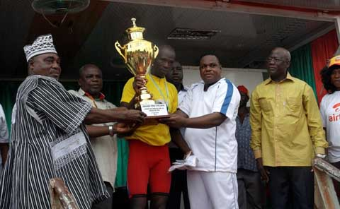 «Coup de pédale de Sya 2014»: le maillot jaune est revenu à Issiaka Kabré
