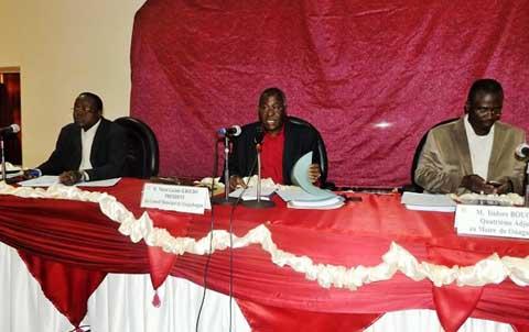 Commune urbaine de Ouagadougou: Marin et les 12 maires déclinent les chantiers de 2015