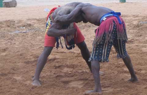 Lutte traditionnelle: La fédération burkinabè prépare la relève