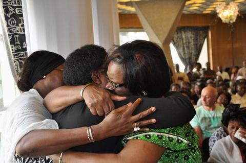 VOL AH 5017: François Hollande souhaite une cérémonie commémorative au Burkina Faso
