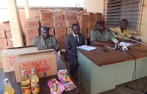 Boissons frelatées: 7 200 bouteilles de jus saisies par la Police municipale de Ouaga