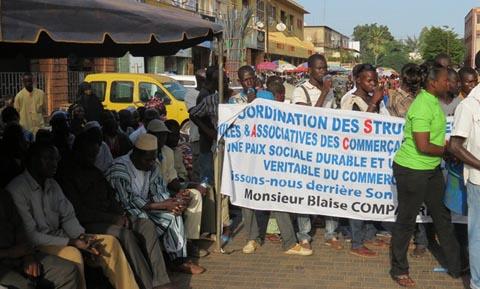 Electrification du marché central de Ouaga: Les commerçants expriment leur gratitude au président du Faso