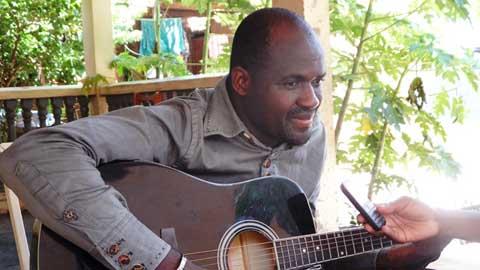 Watt Millo, artiste-musicien burkinabè: «Tant qu'il n'y a pas de base culturelle, il est impossible d'aller au développement»