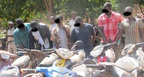 Insécurité: La police démantèle une bande organisée de présumés délinquants