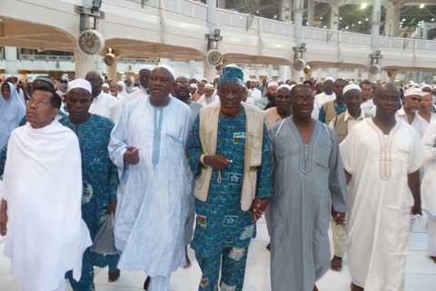 Hadj 2014: Sept fois le tour de la Kaaba pour la paix au Burkina Faso