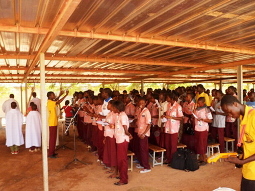 Pour une année scolaire bénie au Burkina Faso: les élèves catholiques implorent le Seigneur