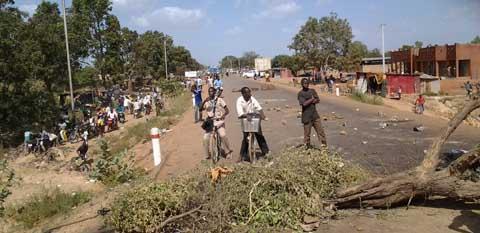Manifestations contre le referendum: la circulation «coupée» à la sortie nord-est de Ouaga