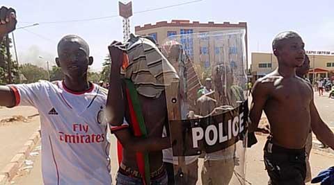 Jeudi noir au Burkina: les manifestants craignent une «trahison» de la part des opposants