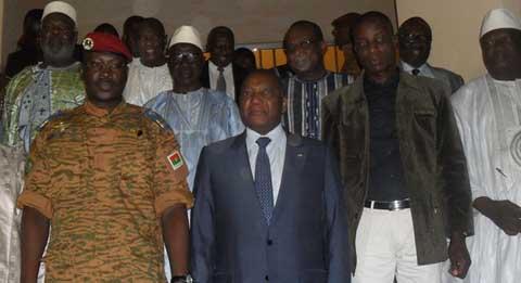 Les opérateurs économiques au QG des militaires: Le Lieutenant-Colonel Yacouba Isaac Zida sensible aux préoccupations des visiteurs