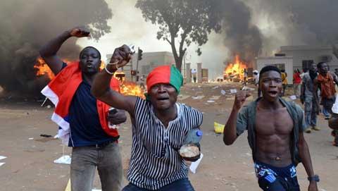 Insurrection populaire au Burkina Faso: environ 200 milliards de francs CFA de pertes
