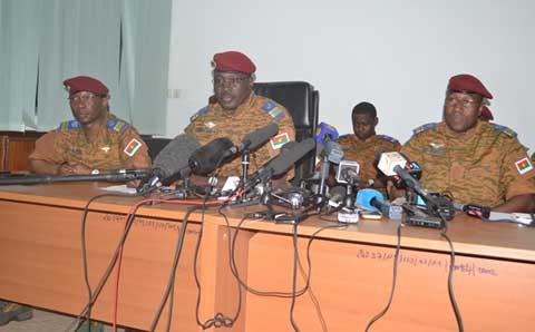 Transition consensuelle au Faso: Le Lieutenant-Colonel Yacouba Isaac Zida fait le point des actions entreprises
