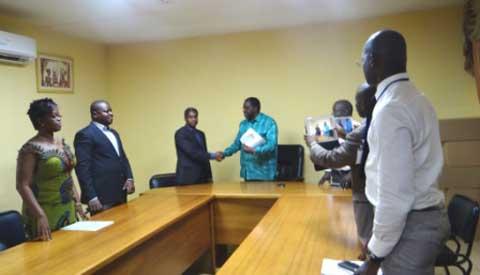 Blessés reçus au CHU-Yalgado Ouédraogo: Contributions de la Mutuelle de l'Armée, de la CAMEG, des jeunes du MPP, et d'Aquatera